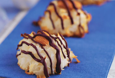 Chocolate & Almond Macaroons | Sunset Vacations